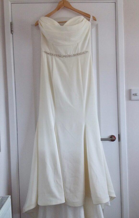 Rebecca Ingram | Wedding Dress | Column | C2227