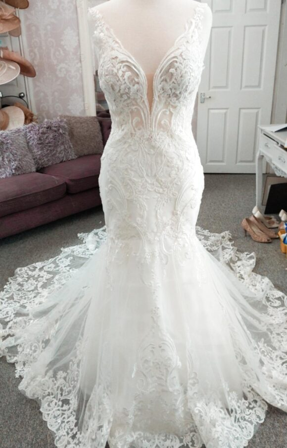 Enzoani | Wedding Dress | Fit to Flare | C2214