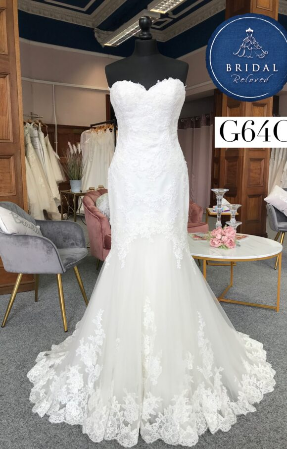 Enzoani | Wedding Dress | Fit to Flare | G64C
