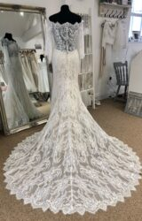 Allure | Wedding Dress | Fit to Flare | LE377M