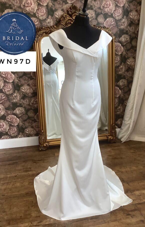 Riki Dalal | Wedding Dress | Column | WN97D