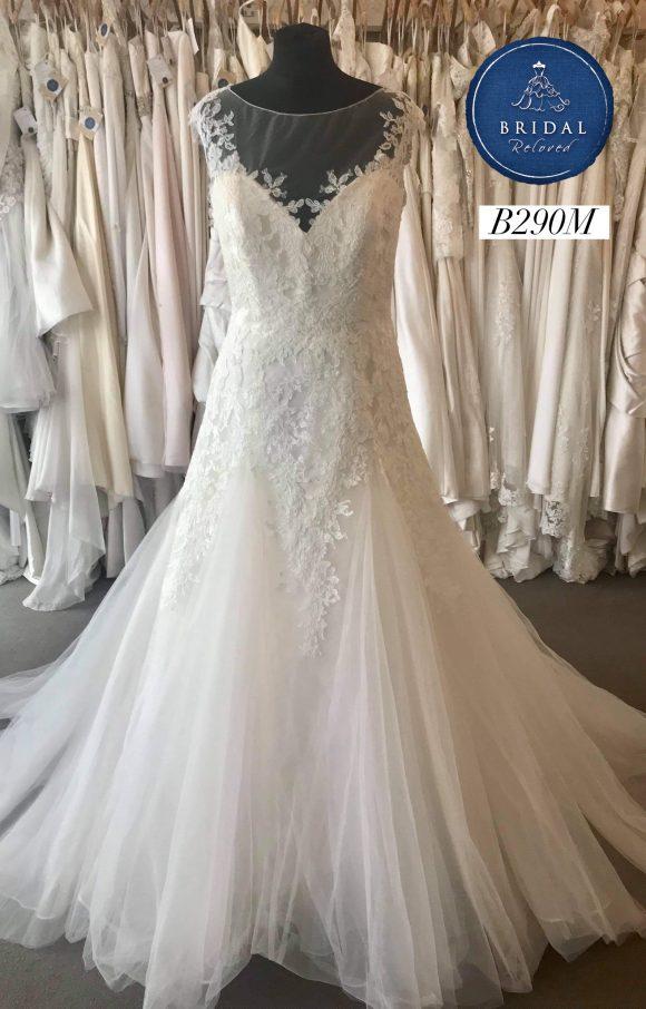 Benjamin Roberts   Wedding Dress   Fit to Flare   B290M