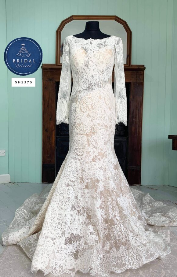 Allure   Wedding Dress   Fit to Flare   SH237S