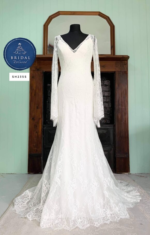 Allure   Wedding Dress   Fit to Flare   SH235S