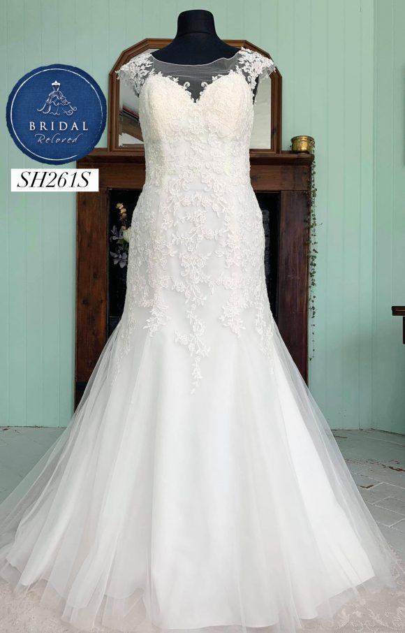 Ella Rosa | Wedding Dress | Fit to Flare | SH261S
