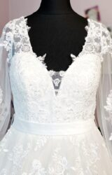 Isabella Designs | Wedding Dress | Princess | W1044L
