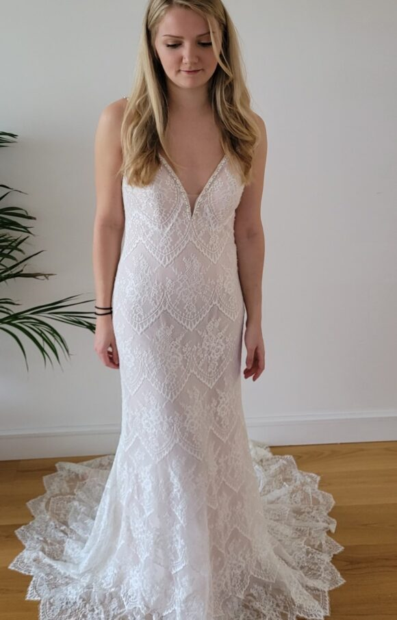 Mary's Bridal | Wedding Dress | Column | C2242