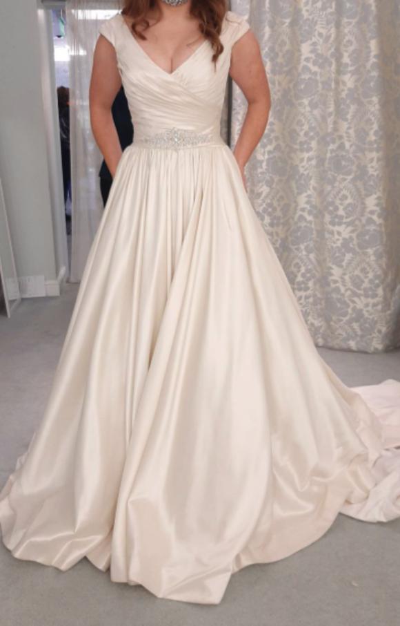 Allure | Wedding Dress | Aline | C2301