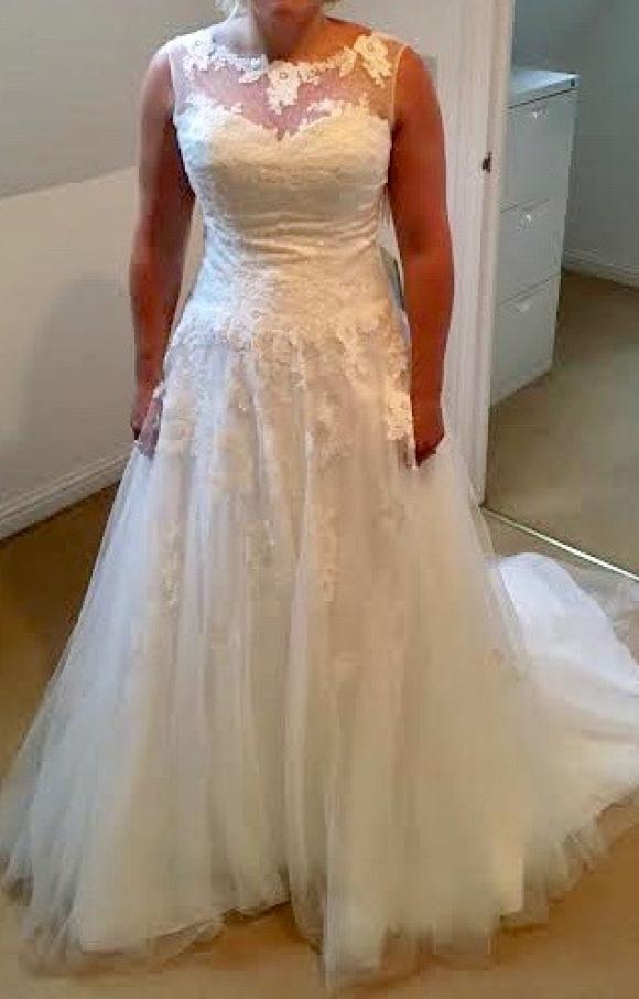 Tres Chic | Wedding Dress | Aline | C2350