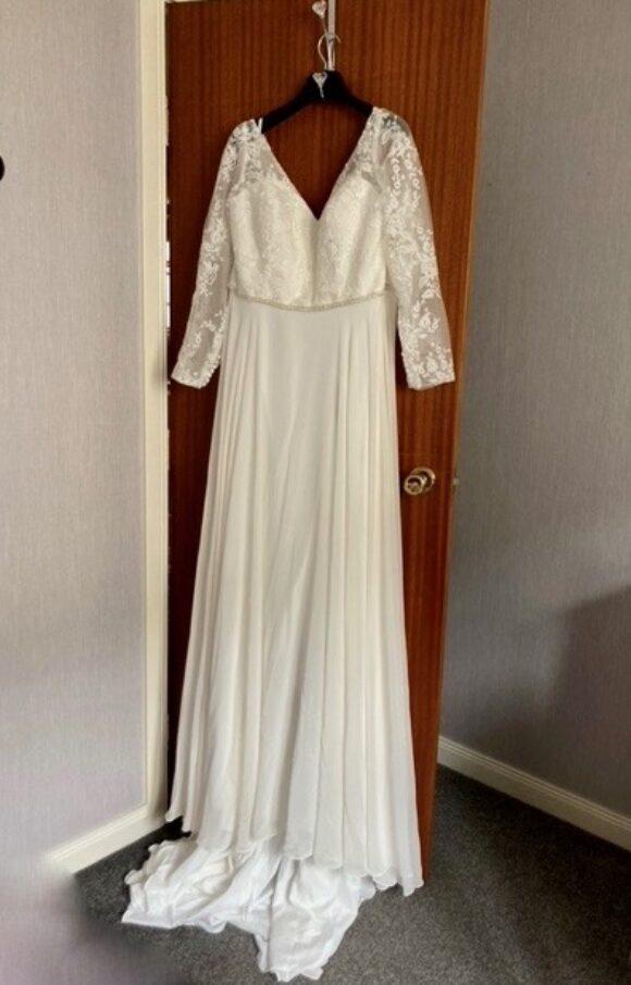 Pure Bridal | Wedding Dress | Aline | C2282