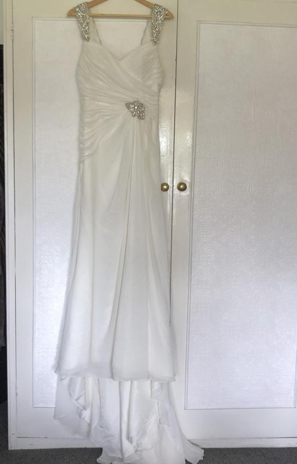 Venus | Wedding Dress | Fit to Flare | C2460