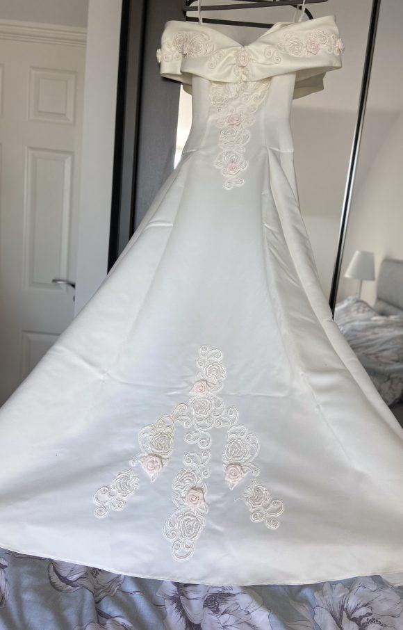 Sweetheart Gowns | Wedding Dress | Aline | C2325