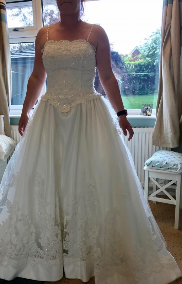 Alfred Angelo   Wedding Dress   Aline   C2385