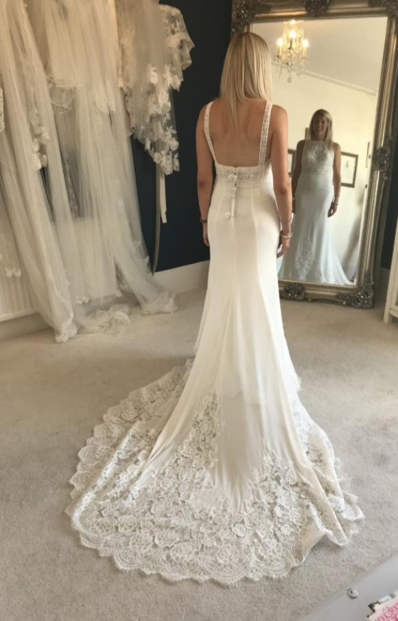 Aire Barcelona   Wedding Dress   Fit to Flare   C2508