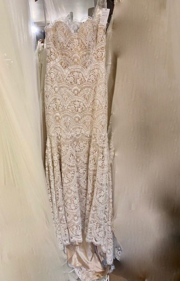 Watters   Wedding Dress   Fit to Flare   C2312