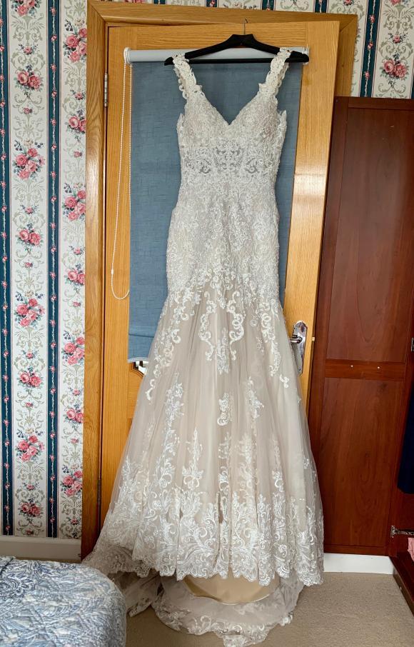 Martina Liana | Wedding Dress | Trumpet| C2343