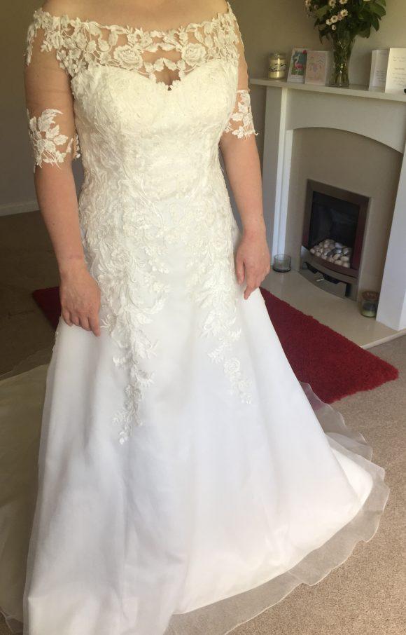 Sincerity   Wedding Dress   Aline   C2322