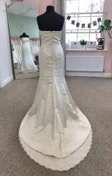 Ritva Westenius | Wedding Dress | Fishtail | D1182K