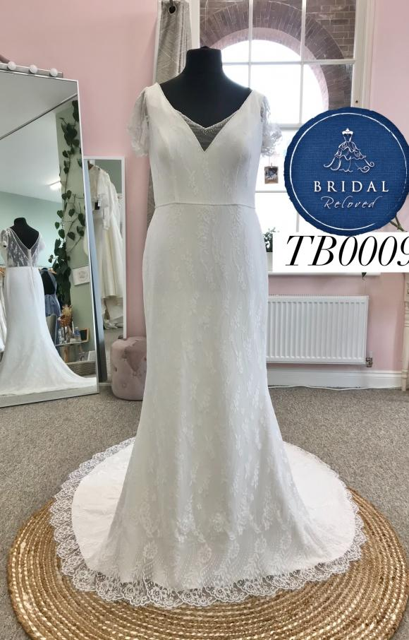 Terra Bridal | Wedding Dress | Fit to Flare | TB0009