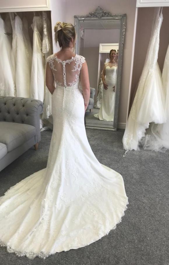 Ronald Joyce | Wedding Dress | Fit to Flare | C2467