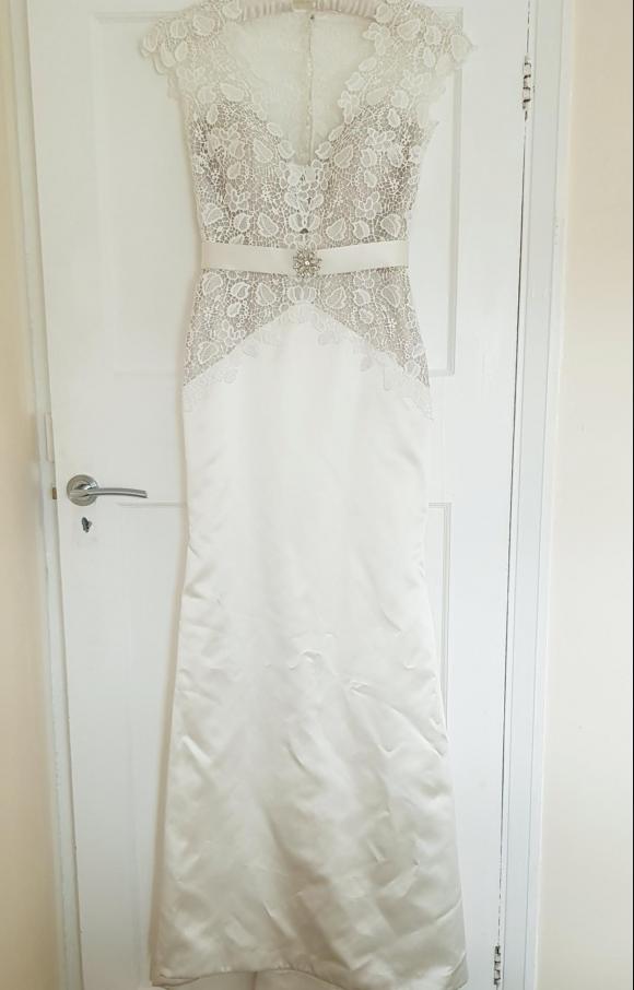 White Rose | Wedding Dress | Sheath | C2375
