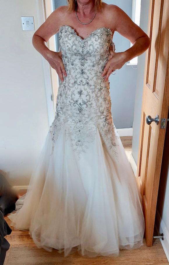 Maggie Sottero   Wedding Dress   Fishtail   C2396