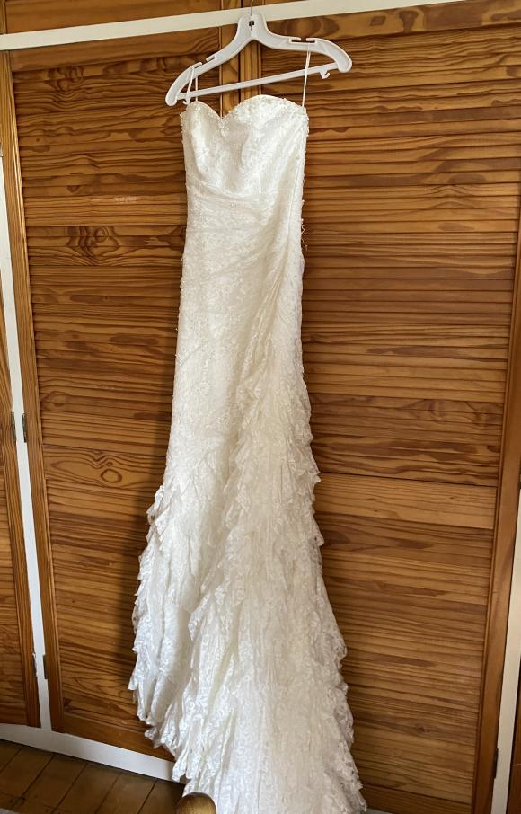 Ellis Bridal | Wedding Dress | Fit to Flare | C2395