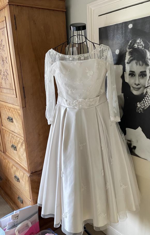 Lou Lou | Wedding Dress | Tea Length | C2390