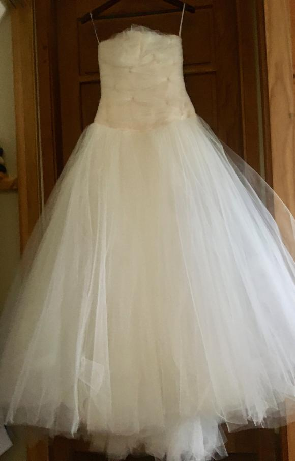 Sarah Devine | Wedding Dress | Princess | C2368