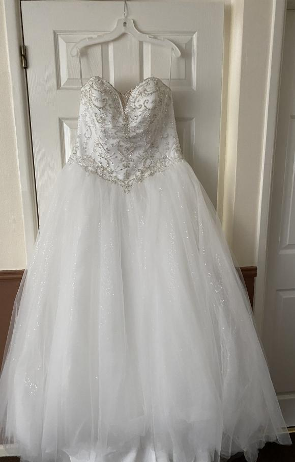 Davids Bridal   Wedding Dress   Princess   C2417