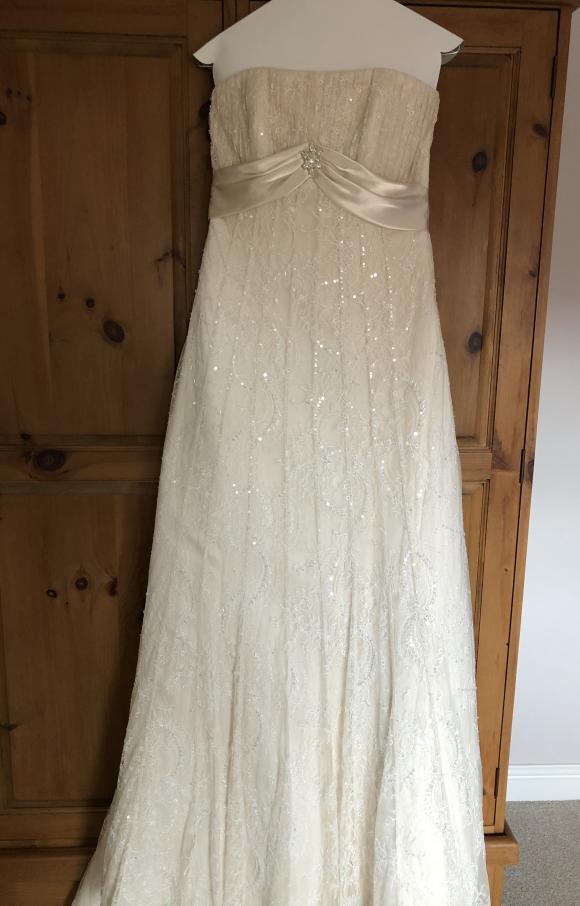 Maggie Sottero | Wedding Dress | Empire | C2374