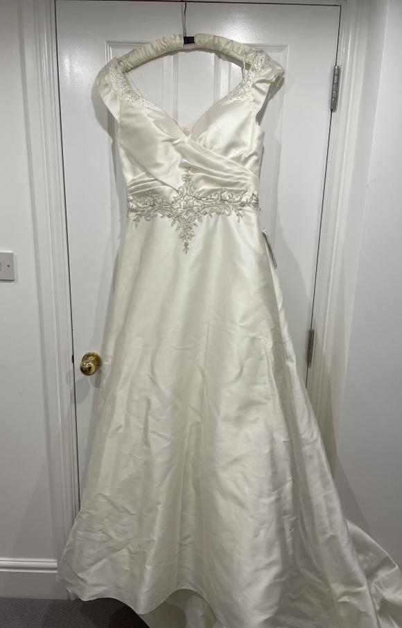 Impression   Wedding Dress   Empire   C2493