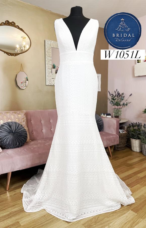 Enzoani | Wedding Dress | Fit to Flare | W1051L