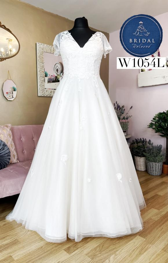 Louis Wild   Wedding Dress   Aline   W1054L