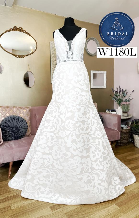 Enzoani | Wedding Dress | Fit to Flare | W1180L