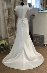 Alfred Sung | Wedding Dress | Column | LE408M