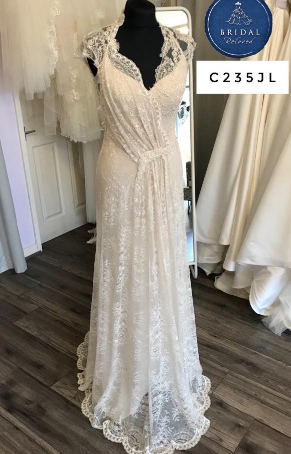 David Fielden   Wedding Dress   Fit to Flare   C235JL