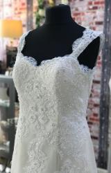 Romantica | Wedding Dress | Fit to Flare | CA274G
