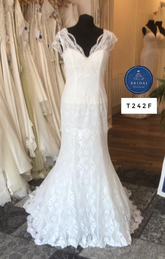 Cymbeline | Wedding Dress | Fit to Flare | T242F