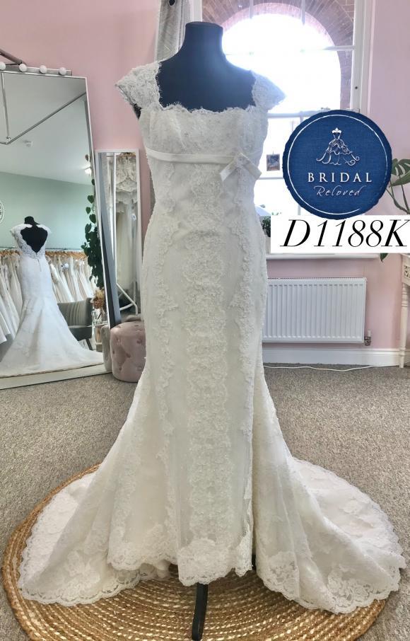 Pronovias | Wedding Dress | Fit to Flare | D1188K