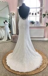 Amanda Wyatt   Wedding Dress   Fit to Flare   D1189K