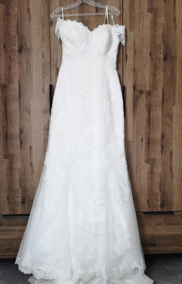 Sweetheart Gowns   Wedding Dress   Fit to Flare   C2470