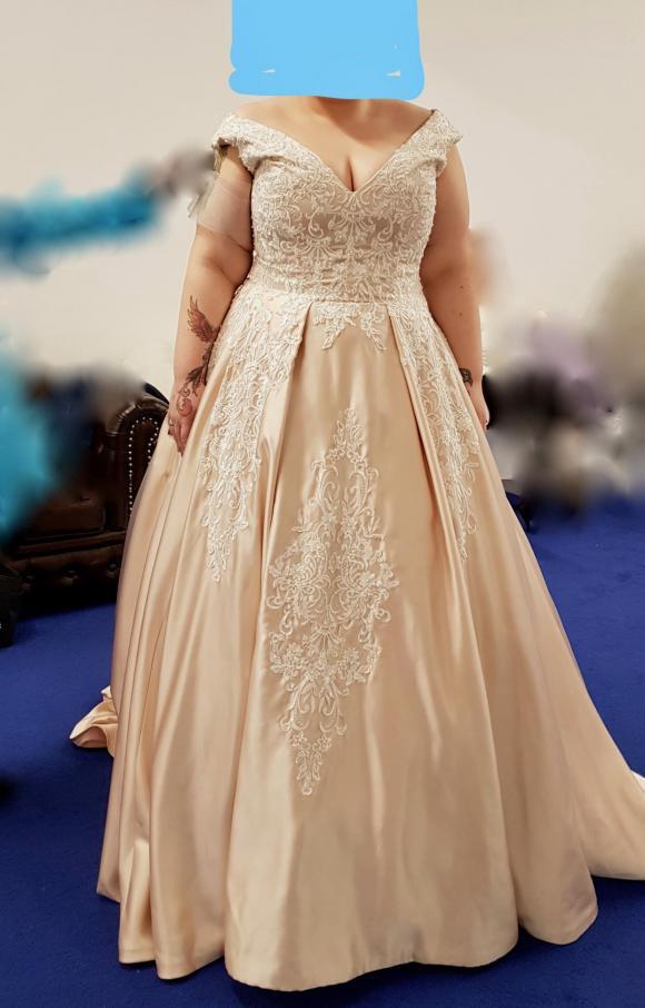 Deborah Mulholland   Wedding Dress   Aline   C2377