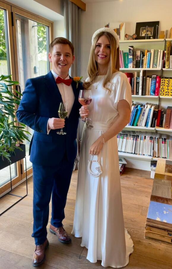 Belle and Bunty | Wedding Dress | Straight | C2656