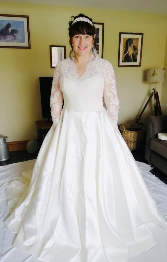 Anna Sorrano | Wedding Dress | Aline | C2403