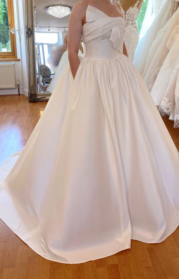 Enzoani | Wedding Dress | Aline | C2438