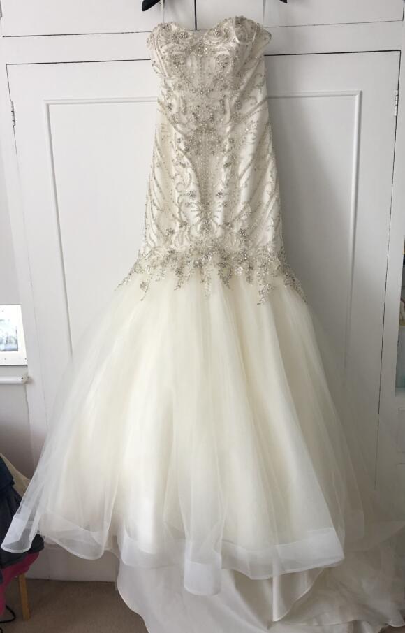 Justin Alexander   Wedding Dress   Fit to Flare   C2523