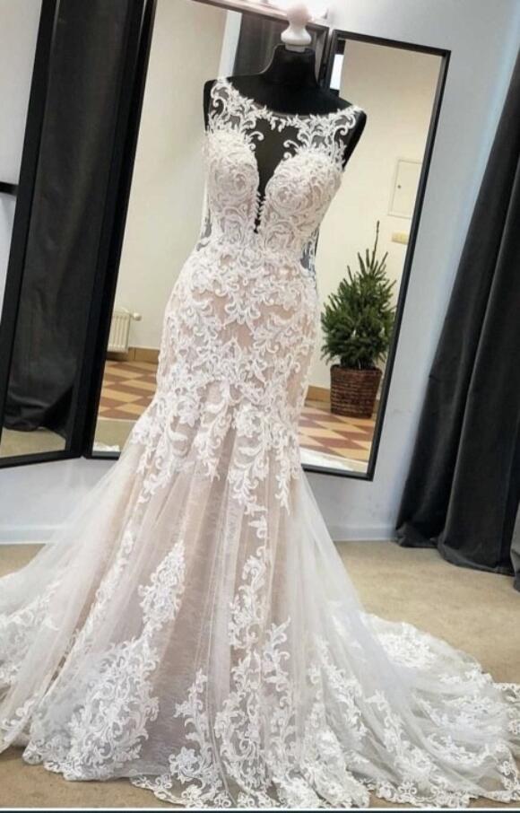 Essense of Australia   Wedding Dress   Fit to Flare   C2567