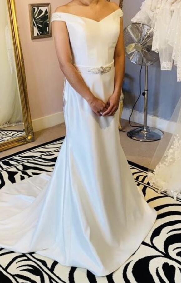 Lily Rose | Wedding Dress | Fit to Flare | C2544