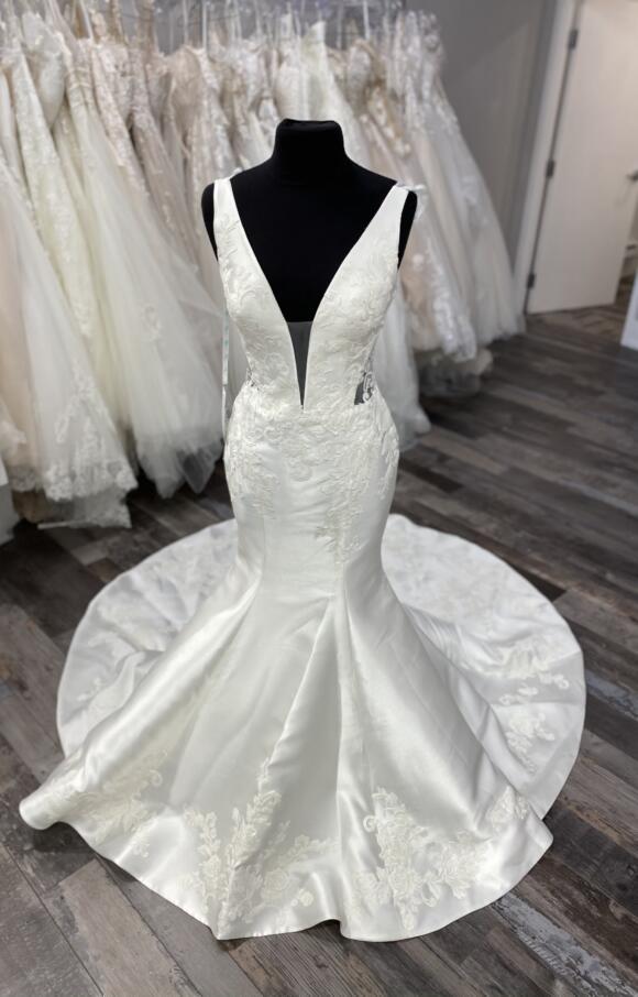 Enzoani   Wedding Dress   Fishtail   C2583